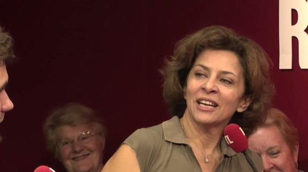"""Corinne, """"A la bonne heure"""" chez Stéphane Bern, RTL 2013."""
