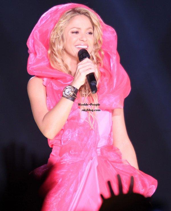 Shakira ou le petit Chaperon Rose le 6 décembre à Paris ...