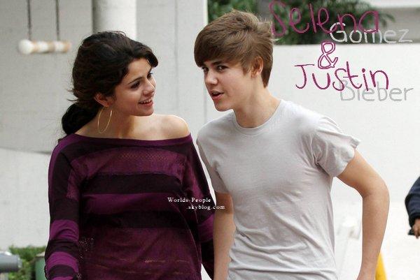 Justin Bieber & Selena Gomez rentrant à leur hôtel à Miami ce 18 Décembre ♥