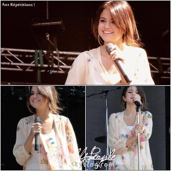 . 4 Février > Voici trois photos des répétitons pour le concert de Miss Gomez en Argentine.  .