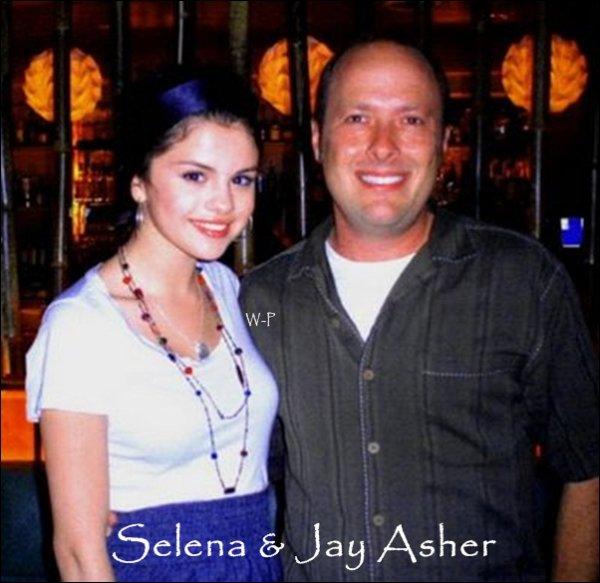 """. Nouveau projet pour Miss Gomez, elle pourrait jouer dans une adaptation cinématographie d'un livre intitulé """"13 Reasons Why"""" écrit par Jay Asher. .  . Selena Gomez jouera le rôle d'Hanna Baker, une jeune fille qui s'est suicidée et qui a laissé avant de partir une boite pleine de cassettes qu'elle a enregistré. Elle laissera le soin à Clay Jensen, une lycéenne californienne de distribuer les cassettes à chaque personne ayant eu un rapport avec sa mort. .  Ton Avis ?   ."""