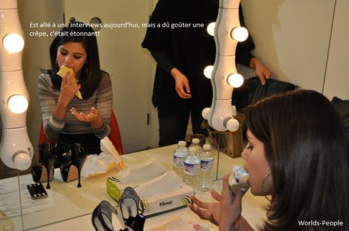 . Selena en pleine promo des 'Sorciers de Waverly Place' au Toho Cinema Roppongi Hills .
