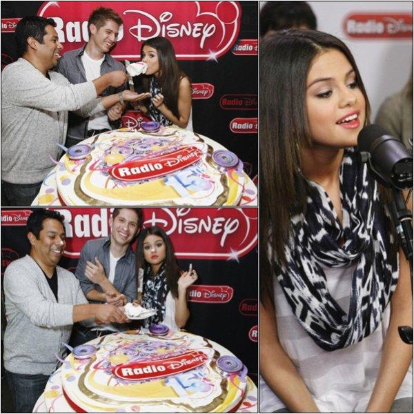 29 Mars > Selena fête les 15 ans de la Radio Disney ♥