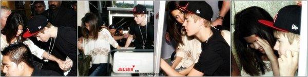 20 Avril > Selena et Justin Bieber étaient à l'aéroport Klia, en Malaisie (Asie). ♥
