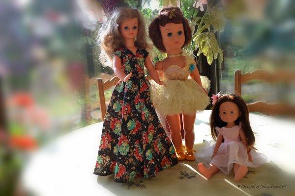 A vendre - Ces trois jolies poupées