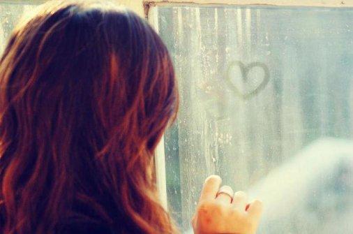Si tu aimes deux personnes à la fois, choisis le second, car si tu avais réellement aimé le premier, tu ne serais pas tombée amoureuse du deuxième.