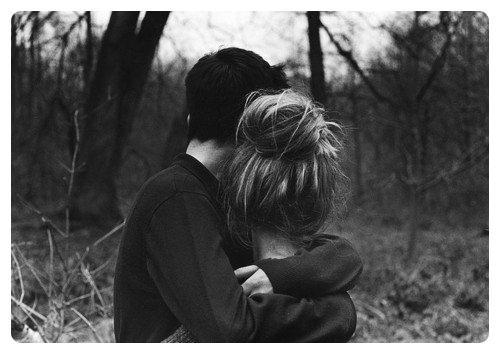 Combien de fois, moi aussi, avais-je supplié un hommede m'aimer pour ensuite le rejeter parce que, justement, il m'aimait?
