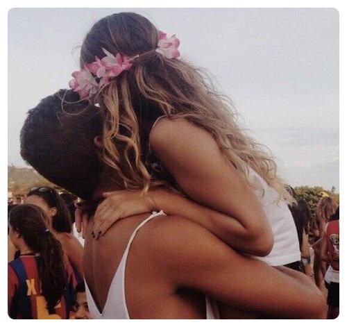 Tu es mon meilleur ami aussi bien que mon amant et je ne sais pas quel aspect de toi je prefere. Nicolas Sparks
