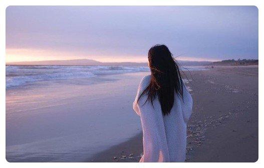 Je fuis celle qui me plaît, j'ai peur de ce qui m'attire, j'évite celle qui m'aime, je drague celles qui s'en foutent.