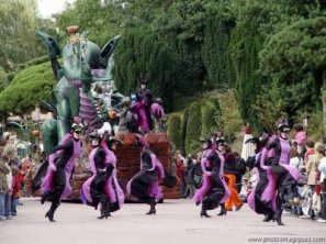 hall°o°ween parade