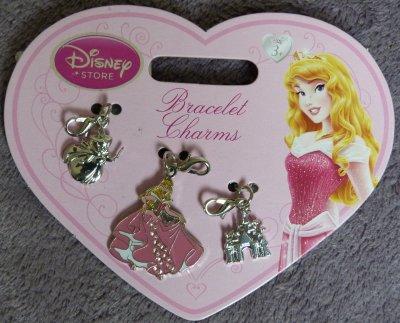 Disneyland / Disney Store - pin's, breloques, clé, litho