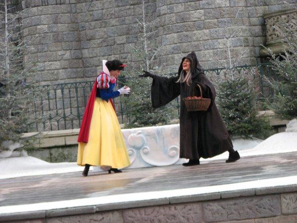 Disneyland 6 d cembre 2009 blanche neige et la sorci re - La sorciere blanche neige ...