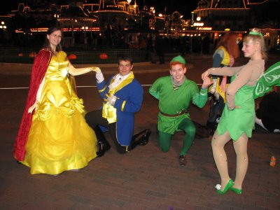 Disneyland 31 octobre 2010 - à genoux