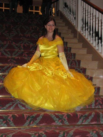 Disneyland 31 octobre 2010 - assise dans escaliers