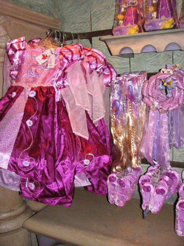 Disneyland 7 novembre 2010 - produits dérivés Raiponce