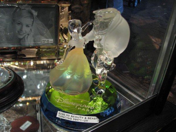 Disneyland 7 novembre 2010 - statue B&B