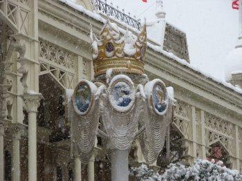 Disneyland 19 décembre 2010 - Main Street et chateau sous la neige