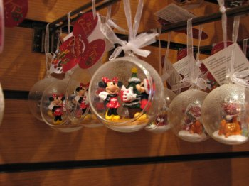 Disneyland 19 d cembre 2010 d co de no l le monde merveilleux de disney - Decoration de noel disney ...