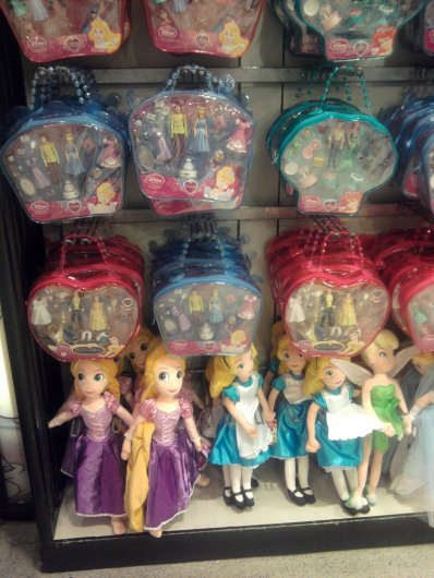 Disney Store - articles