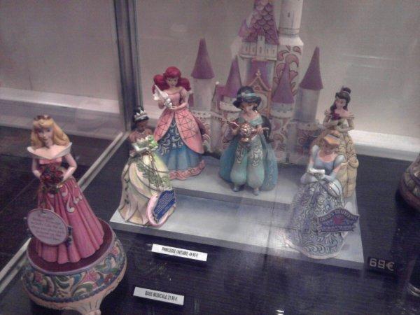 Disneyland - articles