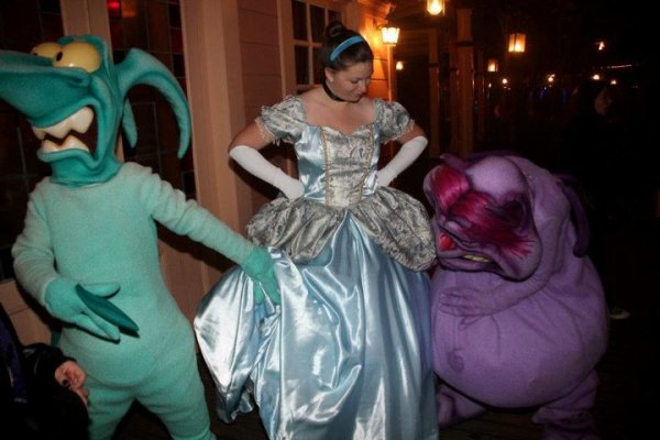 Disneyland 14 octobre 2011 - costume Cendrillon