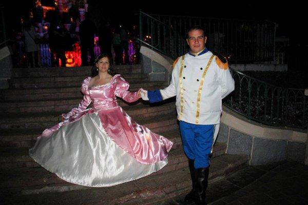 Disneyland 31 octobre 2011 - Costumes Ariel et Eric