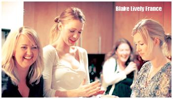 Blake Lively a montré ses talents de cuisinière avec Angie Dudley , une cuisinière renommée qui tient le blog Bakerella.com . Blog que Blake  visite souvent ! L'actrice à donc lu sur ce blog que Angie était de passage à New York pour faire une séance de dédicace pour son livre, elle n'a dont pas hésité à l'inviter pour un petit atelier cuisine ! Elles ont ensemble, et avec des amies à Blake, réalisé des friandises appelées cake pops . Tout ceci s'est passé il y a quelques jours, pas de date exacte. source:blakelively-fan