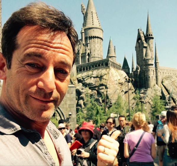 Jason Isaacs ( Lucius Malefoy ) au parc Harry Potter à Los Angeles