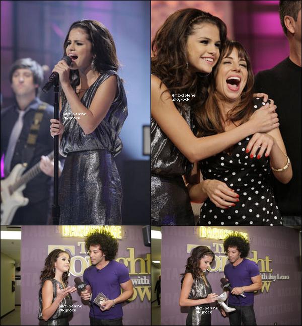 . 19.09.2011 : _______Selena sur le plateau de The Tonight Show with Jay Leno où elle a chanté une chanson de son album... .
