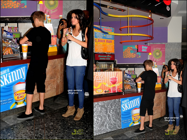 . 19.08.2011  : ___Selena faisant de la promo' pour Dream Out Loud au magasin K-mart.+ 2 photos de Sel' via Instagram.___ .