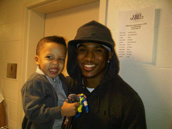 Trey Songz Poses with Monica's Kids