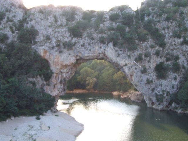 Ardèche, articles de rap, jeux vidéo, sites préférés, textes, poèmes...