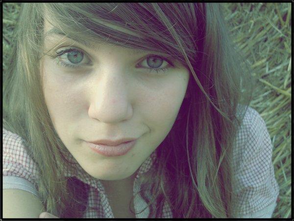 """""""Un être vous manque, et tout est dépeuplé .. ♥ """""""