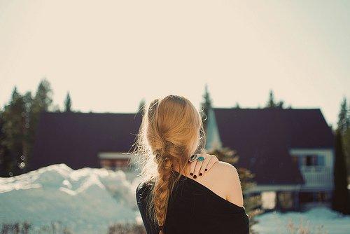 Je n'ai pas une pensée qui ne me soit une douleur. Le ciel sait que le moindre doute sur ta tendresse me paraîtrait une horrible profanation ; mais n'est-ce donc rien que ces longues heures de désespoir.
