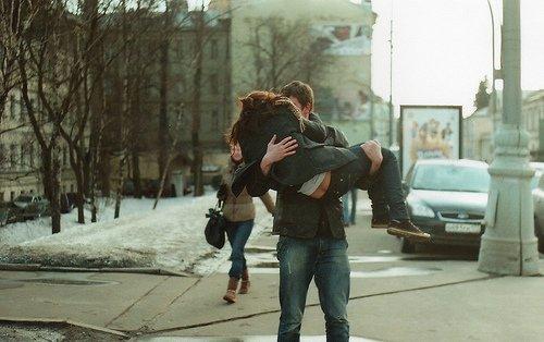 Pour qu'un amour soit inoubliable, il faut que les hasards s'y rejoignent dès le premier instant.
