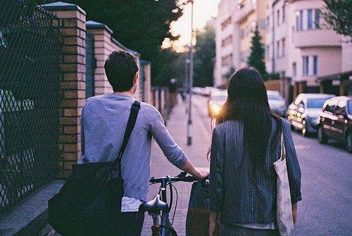 Dans l'amour il y a bien plus que la personne qu'on aime, il y a cette part de soi même qu'elle  nous renvoie, cette haute idée que l'autre se fait de nous et qui nous porte.