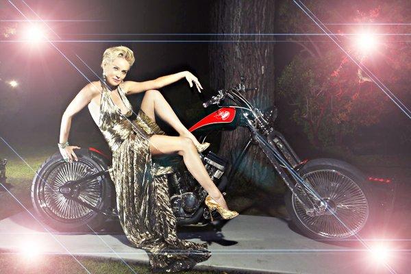 GRRRRRRR A MOTO ! 8-p