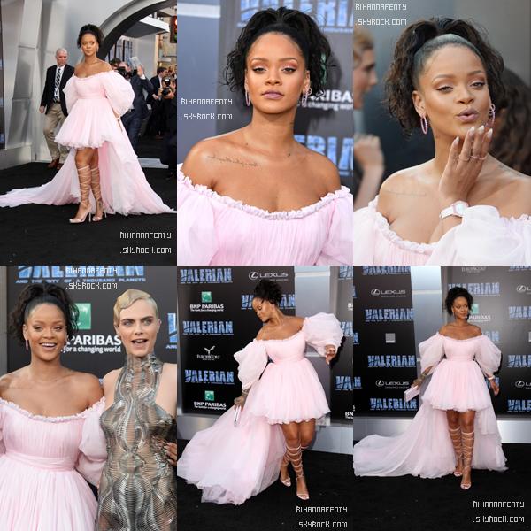 """- 17/07/2017 : Rihanna s'est rendue à l'avant première mondiale du film """"Valérian et la ville des mille planètes"""" à Los Angeles Concernant la tenue, la sublime barbadienne portait une magnifique robe rose style princesse, TOP ! -"""