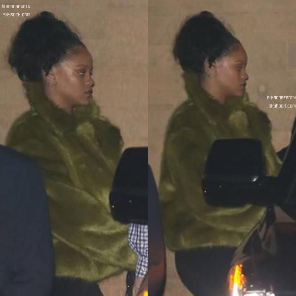 """22/07/2017 : Rihanna quittant le restaurant """"Nobu"""" à Los Angeles !"""