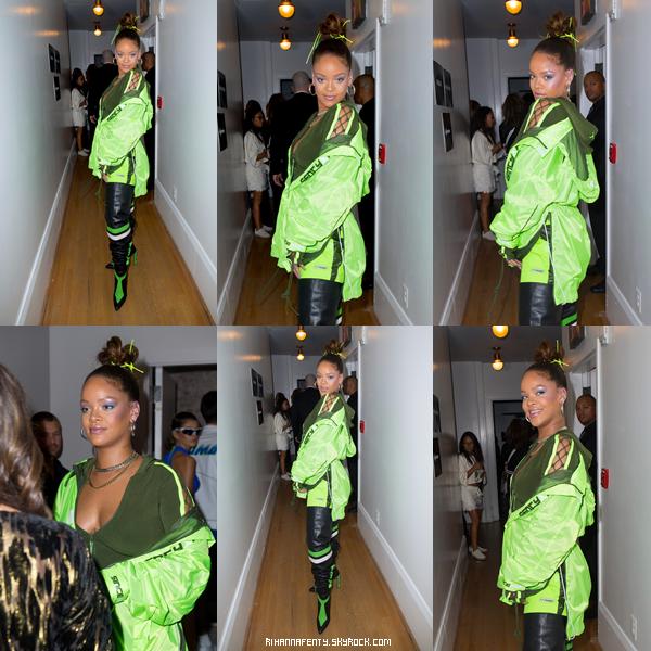 """- 10/09/2017 : Riri était présente au Backstage """"Penty NYTW Fenty X"""" à l'Arsenal Park Avenue de New-York City Miss Fenty assure dans ses sorties, elle est juste magnifique donc top sans hésitation. -"""