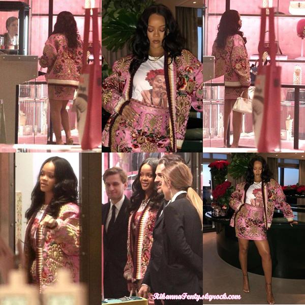 - 06/04/2018 : Rihanna faisant du shopping dans le magasin Gucci de Milan. Les photos sont de mauvaises qualité mais la ravissante chanteuse reste trop belle, top ! -