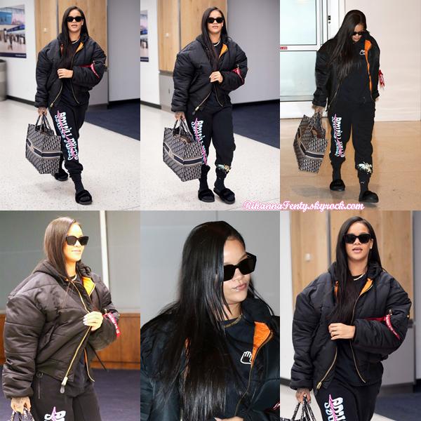- 07/06/2018 : Rihanna aperçue à l'aéroport JFK de New-York. Une tenue compréhensible pour prendre l'avion, elle reste cependant mignonne ! -