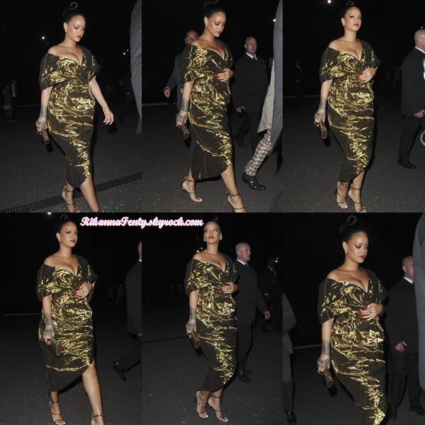 - 13/06/2018 : Rihanna se rendait à un after-party à Londres. Toujours la même tenue mais qui offre une nouvelle vue d'ensemble, un top encore. -