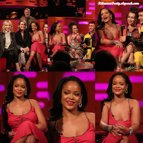 - 14/06/2018 : Rihanna assistait au Graham Norton Show avec le cast' du film à Londres. Une jolie robe mettant en valeur la chanteuse sulfureuse, un top ! -