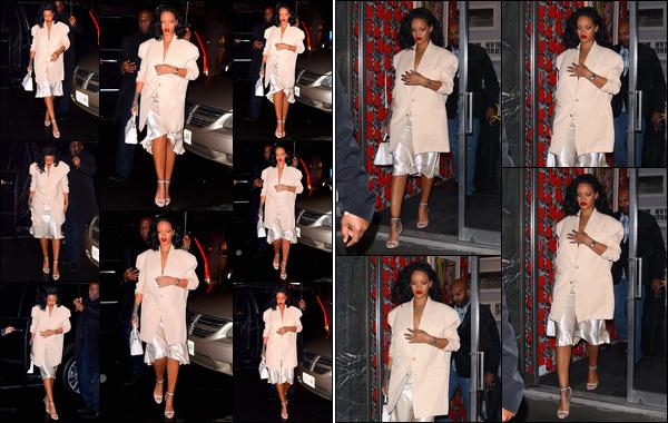 - 29/01/2019 : La jolieRihannaa été photographiée lorsqu'elle allait dîner dans un restaurant, situé à'New York. Un peu plus tard dans la soirée, notre belle Rihanna a été photographiée alors qu'elle quittait la gallerie « Gagosian », situé à New York. -