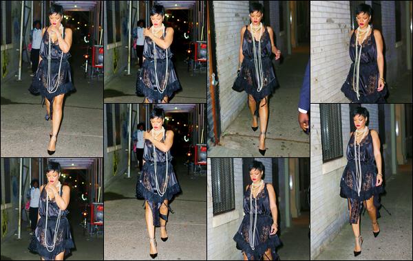 - 05/07/2021 : Rihanna F. a été aperçue alors qu'elle se rendait au restaurant « Carbone », situé à New York.  -