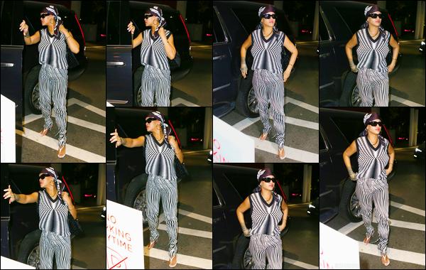 - 09/07/2021 : Notre Rihanna Fenty a été photographiée alors qu'elle se rendait chez le dentiste, à Manhattan.  -