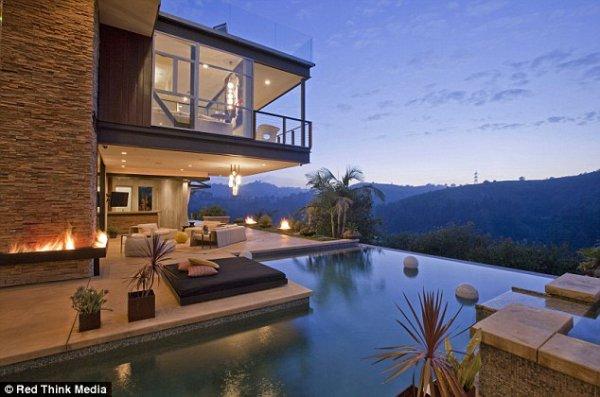 Justin Bieber se compra una casa de 10.8 millones.