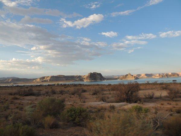 lac au milieu du désert : ville de page