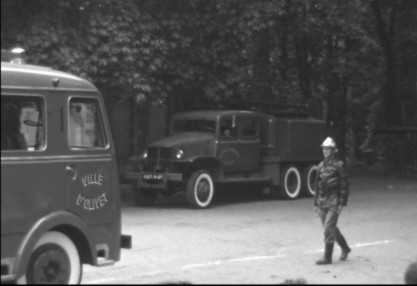 Corps de Sapeurs Pompiers d'Olivet en 1964.